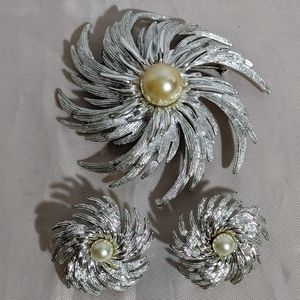 Vintage Silver Sarah Coventry Brooch Earrings Set